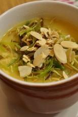 Sopa de Batata doce com crispes de alho poró e lascas de amêndoas!